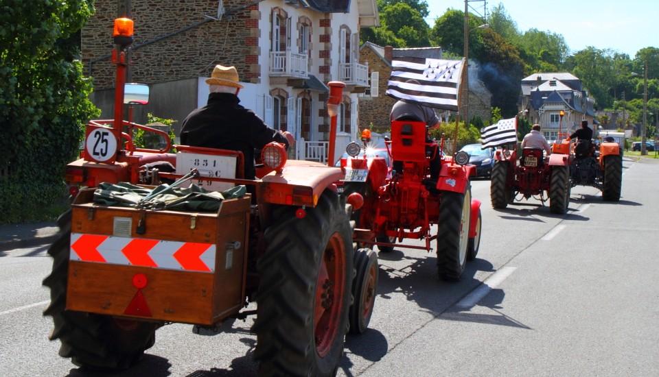 Bretonische Bauern auf dem Sonntagsausflug?